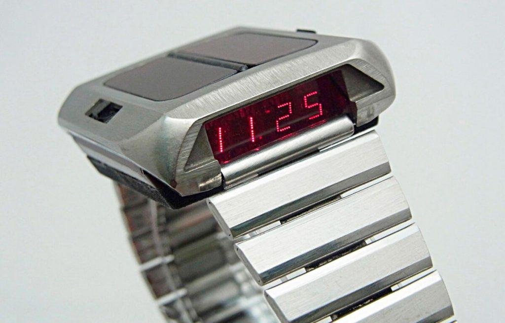Primul ceas cu mecanism solar - Synchronar 2100