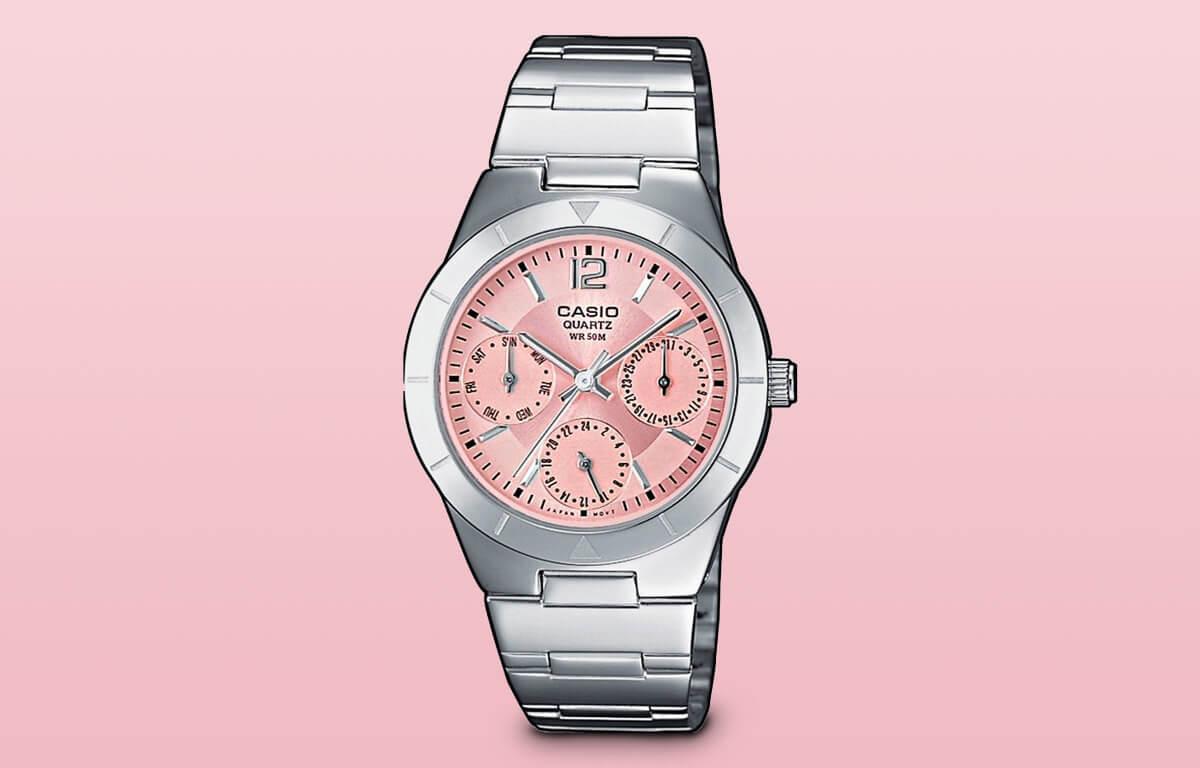 Printre ceasurile ieftine de damă poate fi inclus și modelul Casio LTP-2069D-4AVEF
