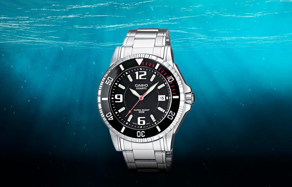 Modelul lowcost al ceasurilor de scufundare de la Casio (MTD-1053D-1AVES)