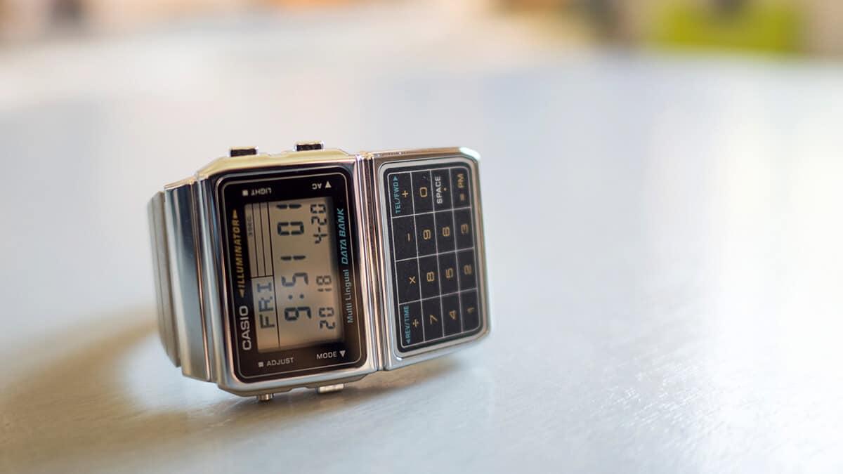 Știți, ce istorie însoțește ceasul cu calculator?